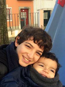 Arthur e Matias estão cursando aulas em tempo integral e se adaptando bem às mudanças Foto: acervo pessoal