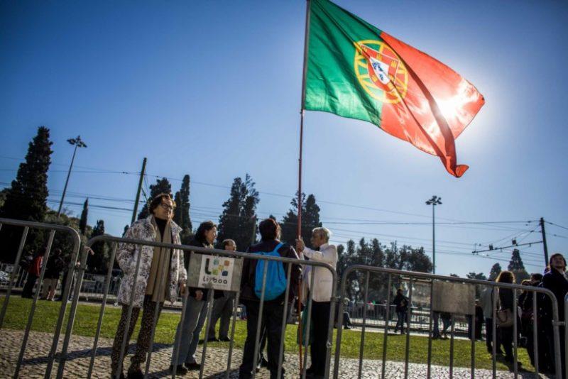 Passar a ser português poderá ser mais fácil para cidadãos dos PALOP e do Brasil